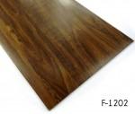 Piso de vinilo impermeable con diseño de madera
